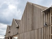 Træ i Byggeriet er en interesseorganisation for danske virksomheder, der har træ og træbaserede produkter som hovedaktivitet. Foreningen er stiftet i foråret 2019 og består af 29 toneangivende virksomheder inden for byggesektoren. Alle har fokus på træ og er dedikeret til en øget anvendelse af træ i byggeriet. PR-Foto Træ i Byggeriet